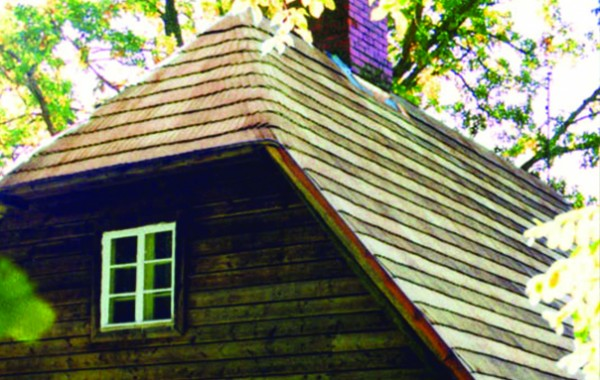 Gable roof with a weathered Valme