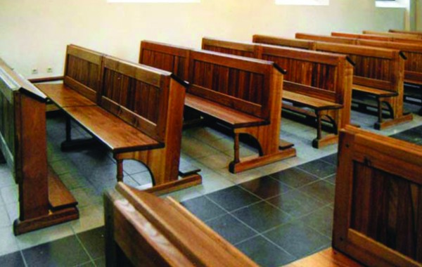 Interjers Pāvilostas sv. Gara katedrālē